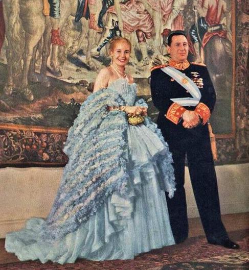 Juan Domingo y Eva Perón en una cena protocolar en 1947.