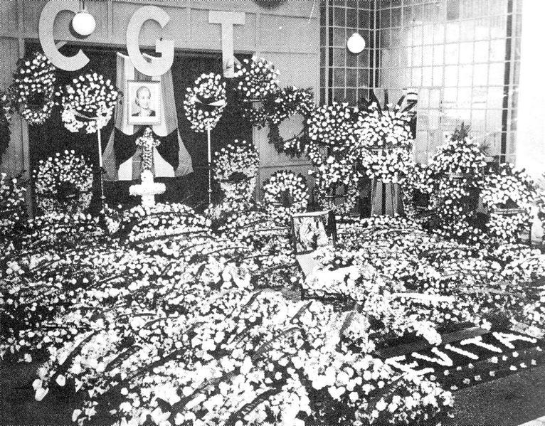 Escena de los funerales de Evita en 1952, en la CGT local.
