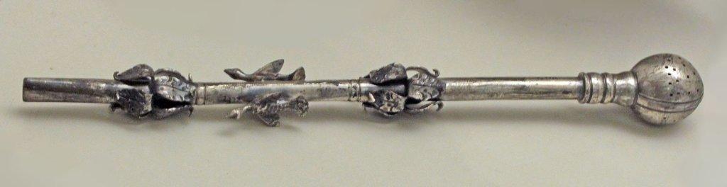 Bombilla Argentina de plata, Siglo XIX. Fotografia por Luis García.