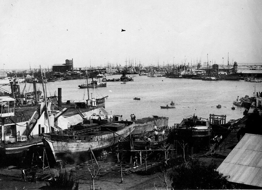 vistas generales de la Boca del Riachuelo desde Isla Demarchi.