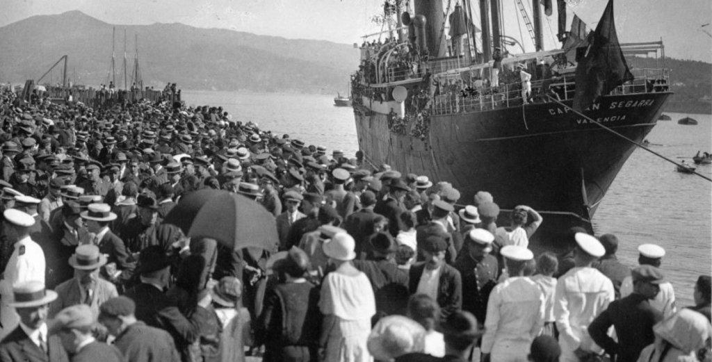 Barco de emigrantes, cerca de 1915.
