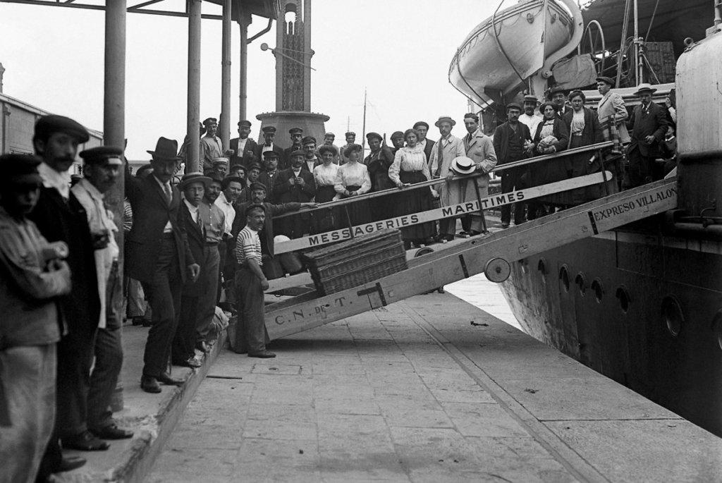 Inmigrantes Italianos desembarcando en America