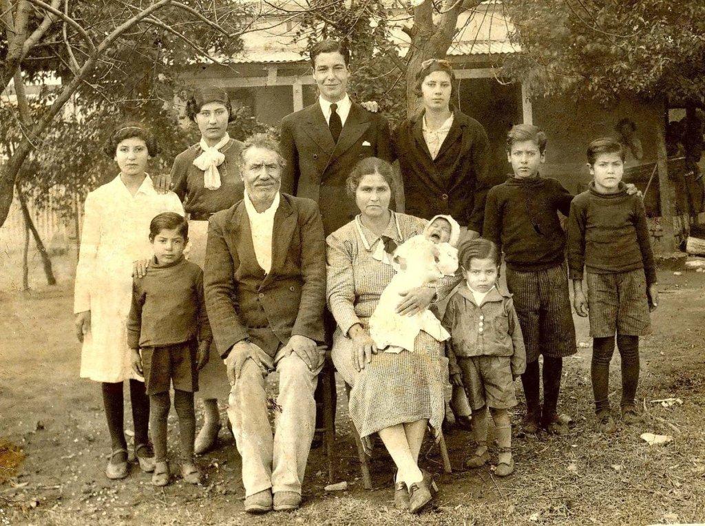 Inmigrantes españoles en el pueblo de Arias, provincia de Córdoba, Argentina