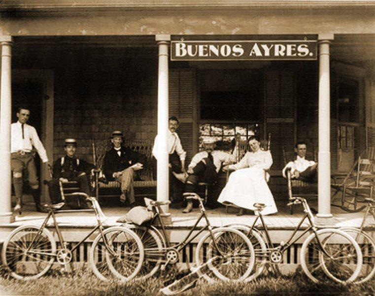 Fotografías de Harry Grant Olds: Estación de Trenes del Tigre, Buenos Aires, ca 1901.